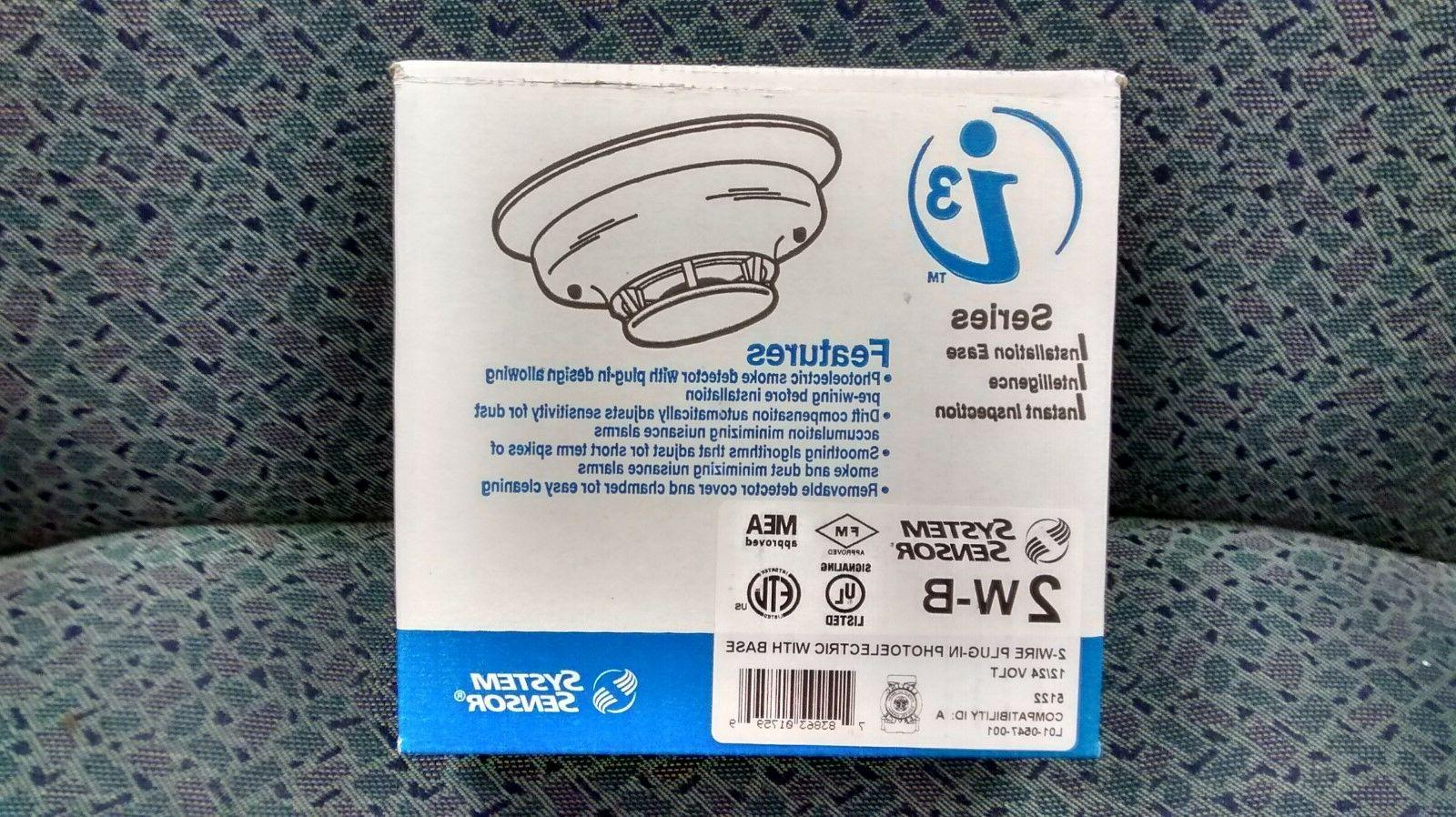 Smoke Detector, 12/24 VDC, Photoelectric. System Sensor Mode